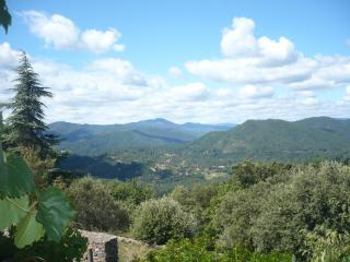 Mas cévenol typique perché en montagne, Saint-Jean-du-Gard