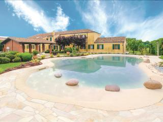 5 bedroom Villa in Ariano nel Polesine, Veneto, Veneto Countryside, Italy : ref 2039381, Ariano Nel Polesine