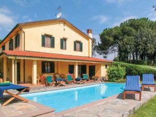6 bedroom Villa in Cerreto Guidi, Tuscany, Florence, Italy : ref 2039576