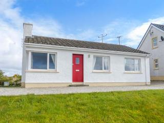 MOUNT HILL COTTAGE, detached, all ground floor, open fire, parking, garden, in Letterkenny, Ref 933372, Portnablagh