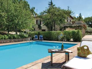 4 bedroom Villa in Montefalco, Umbria, Spoleto, Italy : ref 2039849