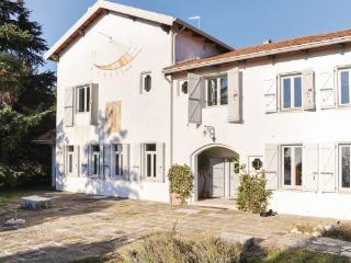 4 bedroom Villa in Montello, Veneto, Veneto Countryside, Italy : ref 2039872