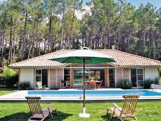 2 bedroom Villa in Moliets, Aquitaine, Landes, France : ref 2041702