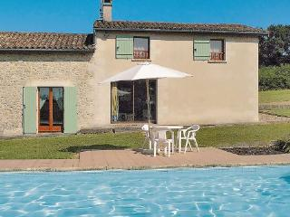 3 bedroom Villa in Saint Gemme, Aquitaine, Gironde, France : ref 2041843