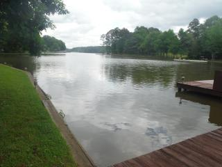 Lake Oconee lakefront rental