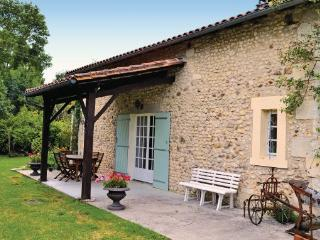 3 bedroom Villa in Tourette, Aquitaine, Dordogne, France : ref 2042022, Vanxains