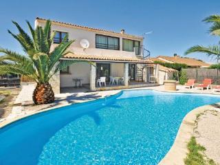 4 bedroom Villa in Miramas, Provence drOme ardEche, Bouches-du-rhone, France