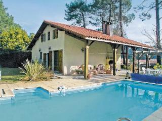 4 bedroom Villa in Messanges, Aquitaine, Landes, France : ref 2042268