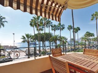 2 bedroom Apartment in Cannes/Croisette, Cote D Azur, Cannes, France : ref 2042354