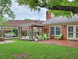 Home w/Fenced Yard & Gazebo-6 Miles to DT Augusta