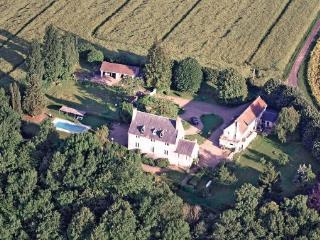 3 bedroom Villa in La Chartre sur le Loir, Pays De La Loire, Sarthe, France, La Chartre-sur-le-Loir