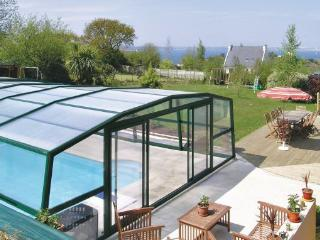 8 bedroom Villa in Lanveoc, Brittany - Northern, Finistere, France : ref 2042650