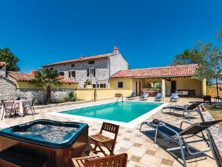Villa in Vodnjan Skicini, Istria, Vodnjan, Croatia, Jursici