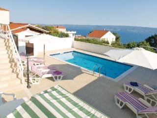 3 bedroom Villa in Omis, Central Dalmatia, Croatia : ref 2043071, Krilo