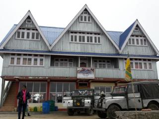 Majestic Sandakphu - Sherpa Chalet Lodge, Singalila National Park