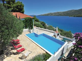6 bedroom Villa in Trogir Poljica, Central Dalmatia, Trogir, Croatia : ref