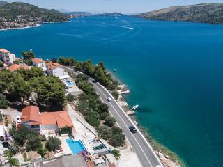 6 bedroom Villa in Trogir Poljica, Central Dalmatia, Trogir, Croatia : ref
