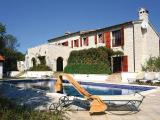 5 bedroom Villa in Visnjan, Istria, Croatia : ref 2043344