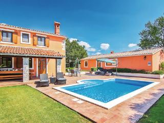3 bedroom Villa in Vodnjan Sv.Kirin, Istria, Vodnjan, Croatia : ref 2043762