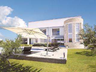 5 bedroom Villa in Zadar Debeljak, Northern Dalmatia, Zadar, Croatia : ref 2043814, Sukosan