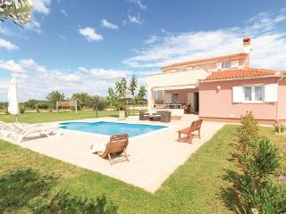 3 bedroom Villa in Pula Muntic, Istria, Pula, Croatia : ref 2043886