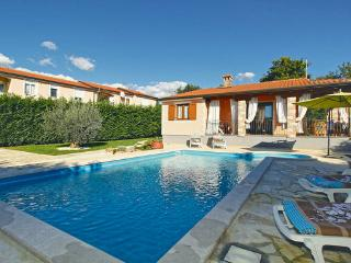 2 bedroom Villa in Porec Perci, Istria, Porec, Croatia : ref 2044349