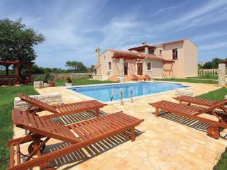 4 bedroom Villa in Pula Valtura, Istria, Pula, Croatia : ref 2044402