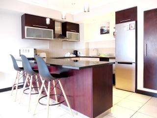 Upmarket One Bedroom Icon Apartment, Cape Town Central