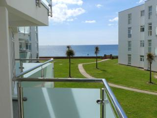 3 bed first floor apartment with sea views and balcony, East Wittering