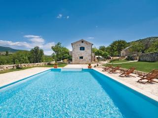 4 bedroom Villa in Drnis, Northern Dalmatia, Croatia : ref 2045198