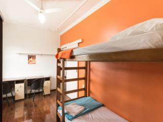 Cama em quarto compartilhado duplo (feminino), Porto Alegre
