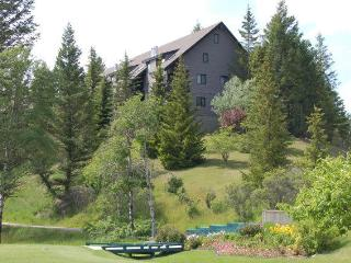 Mountain View Condo on Radium Golf Course, Radium Hot Springs