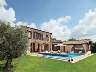 3 bedroom Villa in Visnjan Strpacici, Istria, Visnjan, Croatia : ref 2045689, Barat