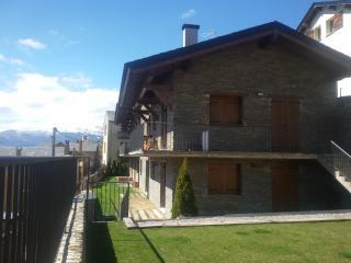 Acogedora vivienda adosada en Err, Pirineo Frances