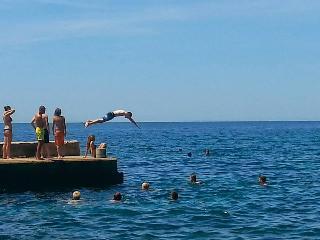 SWEET SEPTEMBER - rustico a pochi passi dal mare, Zambratija