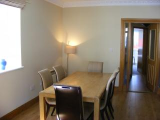 Carlingford - Central, Modern, Spacious 2 Bed Apt