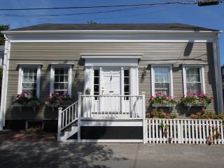 3 Bedroom 4 Bathroom Vacation Rental in Nantucket that sleeps 8 -(3504)