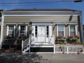 3 Bedroom 4 Bathroom Vacation Rental in Nantucket that sleeps 8 -(3504)