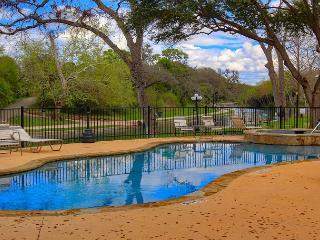 RRC 203 2/2 located right on the Comal River! Walk to downtown New Braunfels!