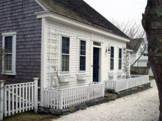 2 Bedroom 2 Bathroom Vacation Rental in Nantucket that sleeps 4 -(3593)
