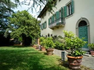 Villa Lanizzi with pool, Lucca