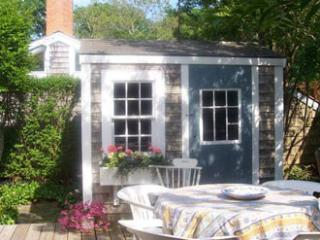 2 Bedroom 1 Bathroom Vacation Rental in Nantucket that sleeps 4 -(8482)
