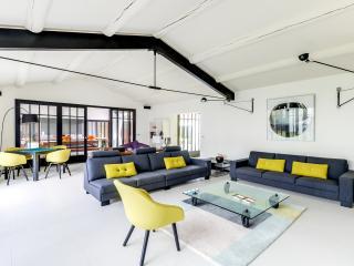 Luxury modern home, Les Portes-en-Re