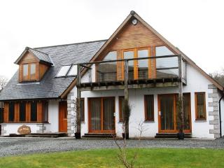 Spacious holiday home with moutain views near to Dalmally.