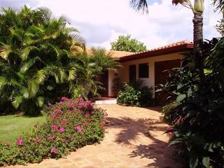 Luxury Casa De Campo Villa w/ Pool. Great Location Near Hotel & On Golf Course
