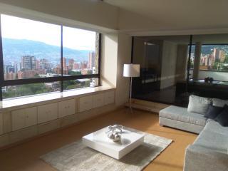 5 bdrm duplex with private pool, sauna, steam room, Medellín