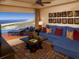 Luxury villa in 5 star resort with amazing ocean v