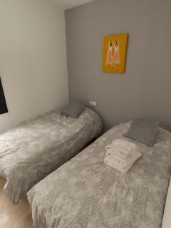 2. bedroom, window internally in building