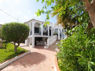 Villa 'La Rotonda' Secluded 7 Bedroom House, Wi-Fi, Private Pool + +