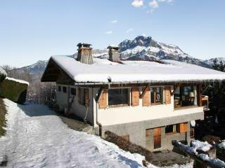 Large chalet with furnished balcony, Cordon